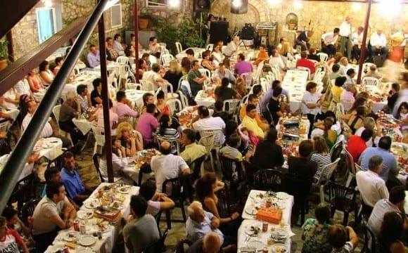Δεκαπενταύγουστος. Η μεγαλύτερη  θρησκευτική γιορτή των Ελλήνων.
