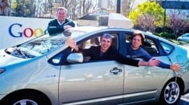 Η Google εξασφαλίζει πατέντα για αυτοκίνητα που οδηγούν μόνα τους