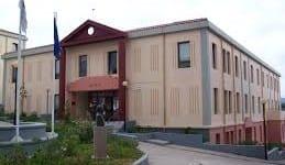 49 σχολές απειλούνται με «λουκέτο»