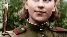 Η αξιωματικός του Σοβιετικού Στρατού στη …Βουλιαγμένη