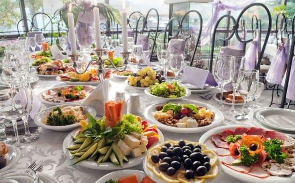 5 τρόποι για να επανέλθουμε από ένα πλούσιο γεύμα!