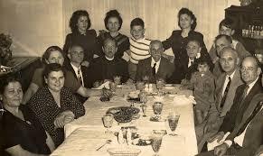 Οι Χαρμπιλαίοι-Γεωργιλαίοι-Καρανταναίοι και τα επεισοδιακά διαβολο-φιλιώματά τους ή αλλιώς «όλοι μια οικογένεια είμαστε!»