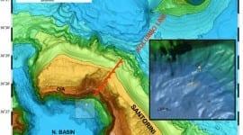 Ανακαλύφθηκαν υποθαλάσσιες λίμνες ανθρακούχου νερού κάτω από την Καλντέρα της Σαντορίνης