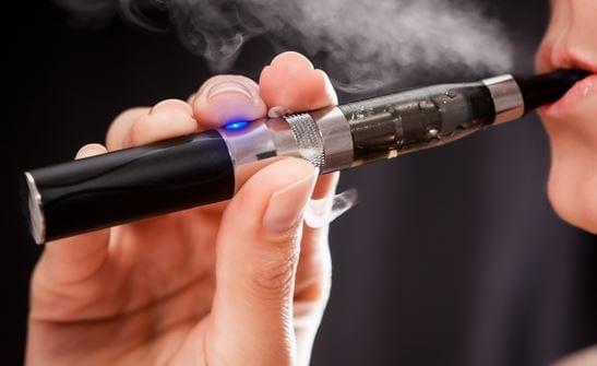 ΣτΕ: Απαγορεύεται το ηλεκτρονικό τσιγάρο στους κλειστούς χώρους