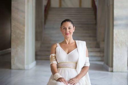 Η Βερόνικα Αργέντζη ερμηνεύει την «Ελένη», σε σκηνοθεσία Δήμου Αβδελιώδη